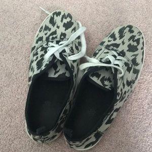 Cheetah print low rise sneakers